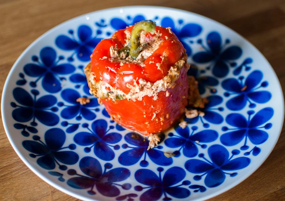 veckansvego fylld paprika serverad
