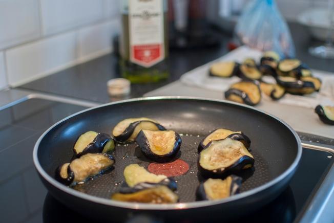 veckansvego stek aubergine i omgångar