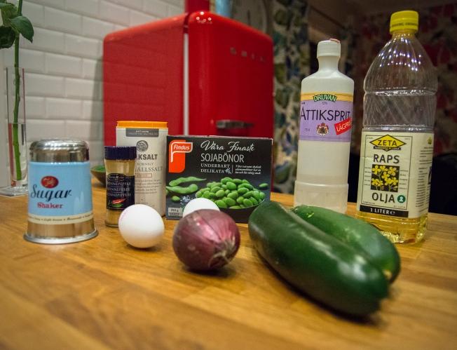 veckansvego ingredienser zucchiniplättar