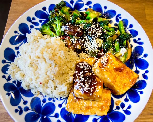 veckansvego färdig hoisinglacerad tofu1