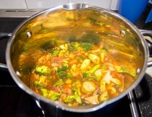 veckansvego italiensk broccolisoppa kokar