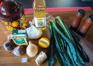 veckansvego-ingredienser-rodbetsris-m-gronkalssallad
